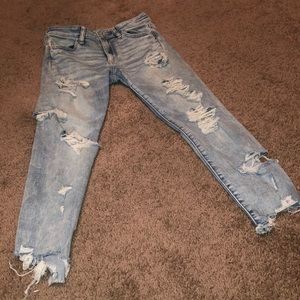 Distressed American Eagle Stretch Jeans